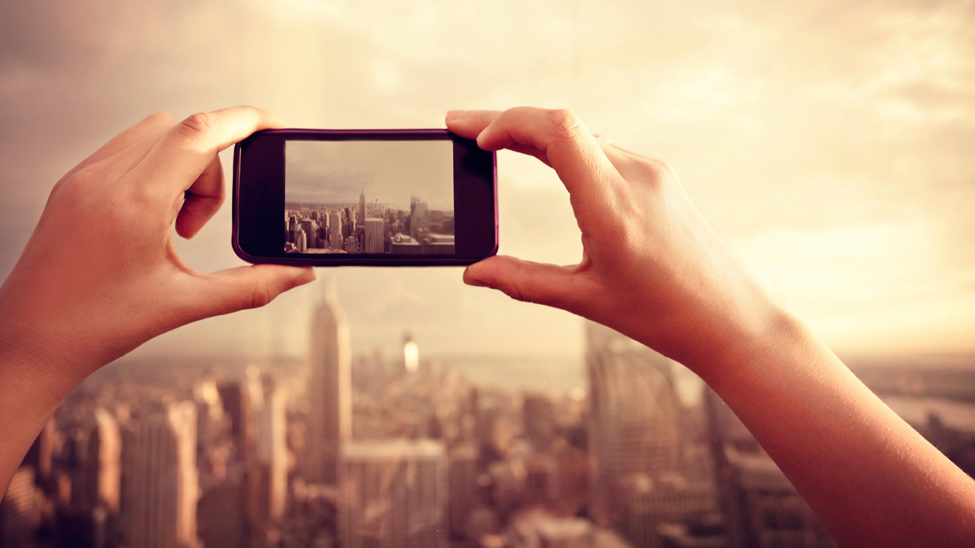 Nowa rewolucja w Social Mediach. O co chodzi z tymi obrazkami?